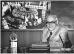 1971 р. О.І.Ахієзер (посміхається і в центрі на слайді)
