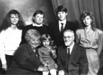 А.М.Блінкін з родиною. Сини Анатолій і Віктор, а також онука Аня свого часу відмінно закінчили ФТФ