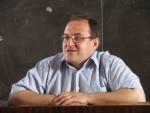 травень 2009 р. Культурологію веде випускник ФТФ 1993 р. кандидат філософських наук Філоненко Олександр Семенович