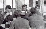 Июль 1983 года. На стрельбах вблизи г. Бердянска: Сасин Юрий, Пивовар Виктор, Штраус Юрий