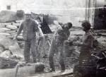 Август 1981 года. Приготовление цементного раствора На снимке: Патлай Игорь, Опанасенко Анатолий, Завада Алексей