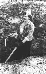 квітень 1977 р. О.Ф.Целуйко на суботнику