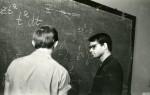 викладач П. А. Мишкіс приймає іспит на кафедрі теоретичної ядерної фізики