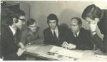 1974 р. група плазмової електроніки разом із профессором С.С.Моісеєвим