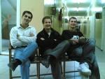 26 сентября 2007 года. Три плазмиста под окном сели рано вечерком: Илья Мисюра, Антон Ковтун и Красимир Третьяк. Как раз на 2-м этаже положили новую плитку взамен паркету ледникового периода