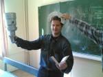 27 сентября 2007 года. Антон Ковтун в неописуемом восторге от физики и техники вакуума