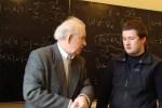 11 лютого 2009 року. Професор А.М. Кондратенко спілкується з Антоном Ковтуном стосовно «Колективних методів прискорення»