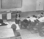 1980 р. – доцент О.І.Дементій читає лекцію першому курсу в ауд. 313