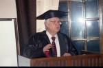 вручення мантії почесного доктора університету В.Г.Бар'яхтару
